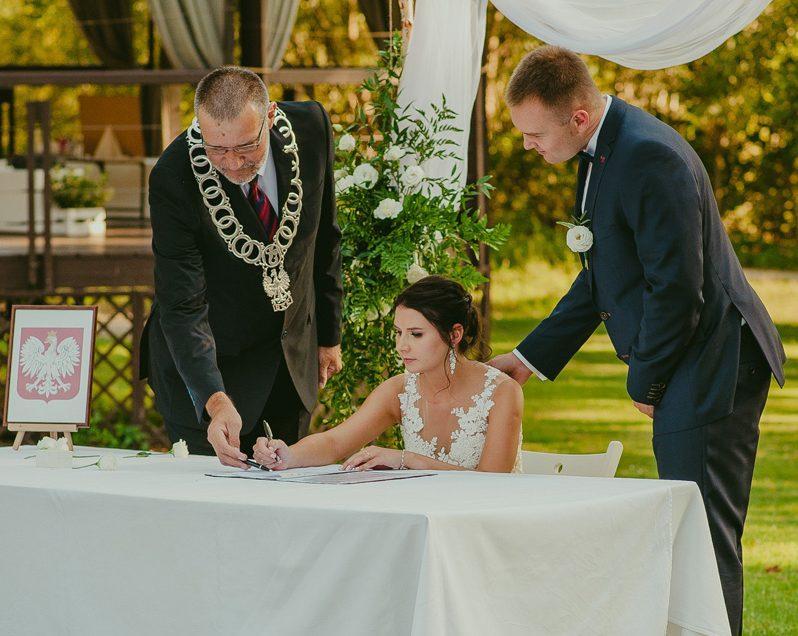 Ślub w plenerze – wesele w Boathouse.