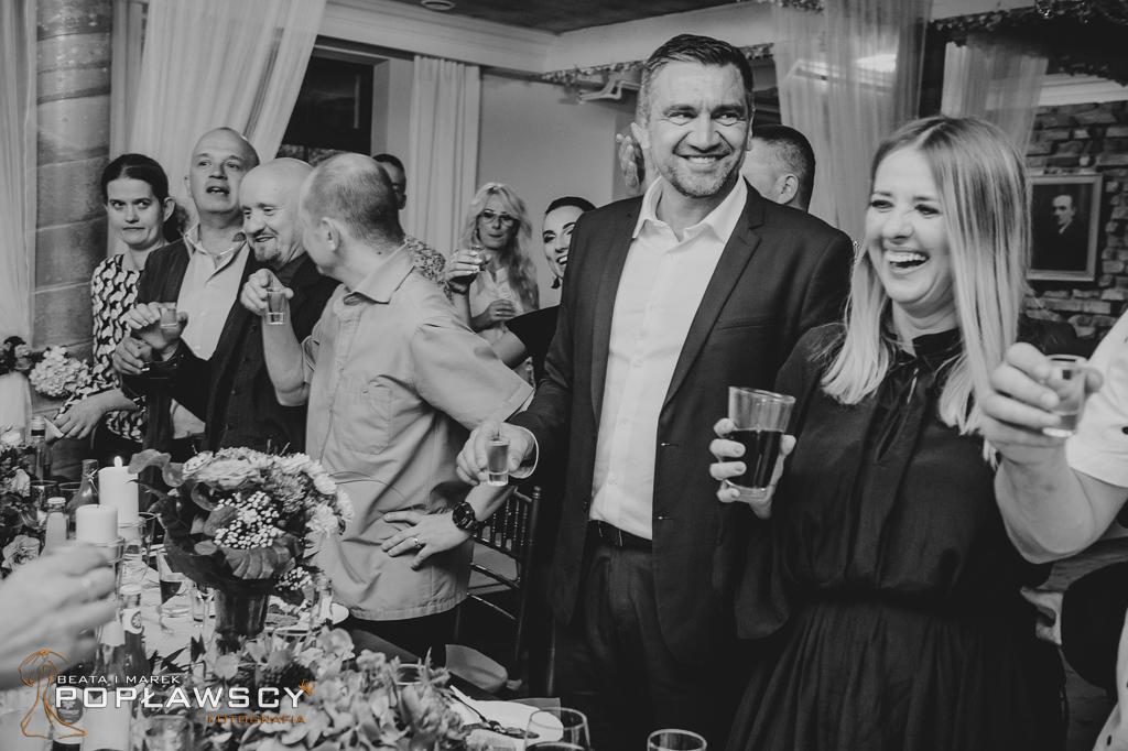 fotografia ślubna, fotograf ślubny, zdjęcia ślubne, stajnia Sowlany, Białystok