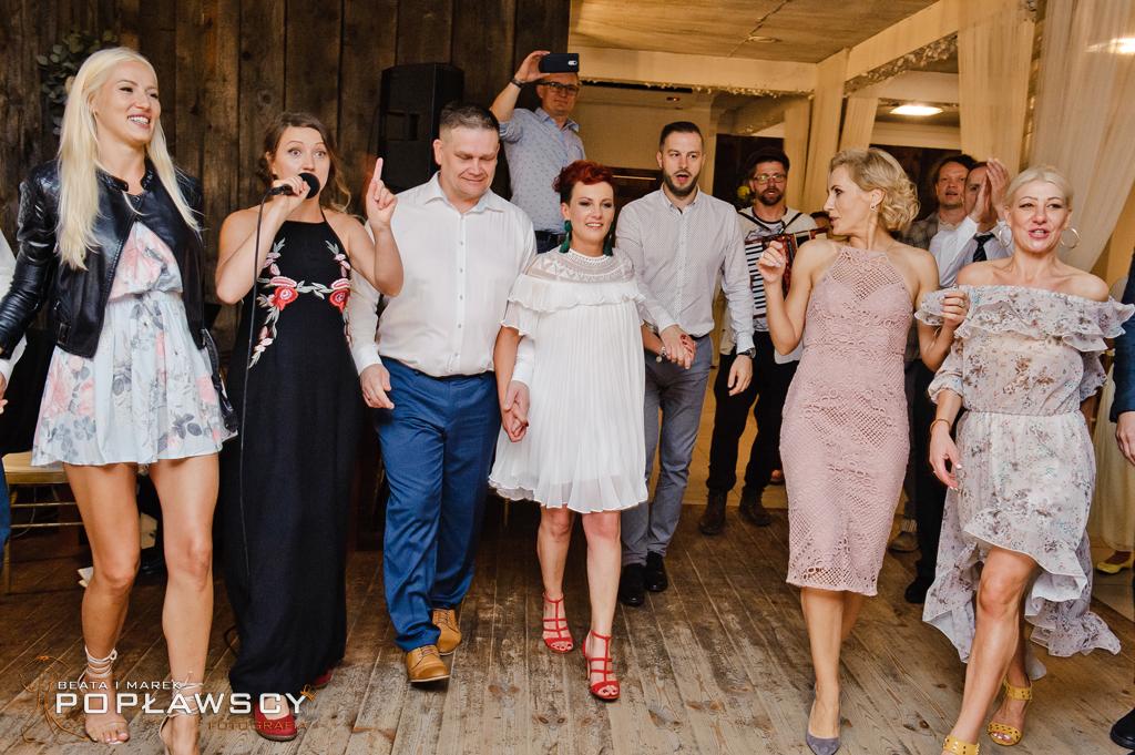 fotografia ślubna, fotograf ślubny, zdjęcia ślubne, stajnia Sowlany, Białystok, wiejskie wesele